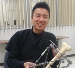 野坂 光司 先生